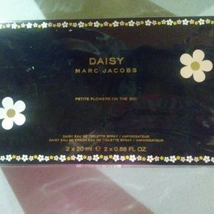 Marc Jacobs Daisy Travel Duo